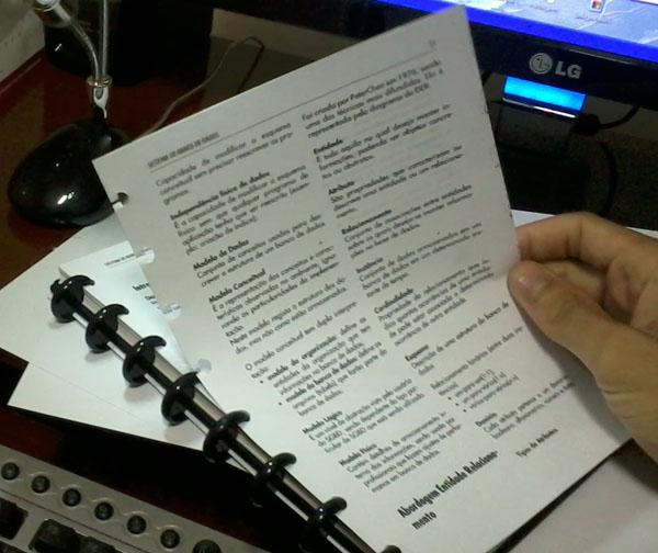 Exemplo de folhas imprimidas em formato A5 nos cadernos ARC da Staples